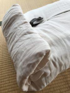 布の端,折り込む,ソファ,ピン留め