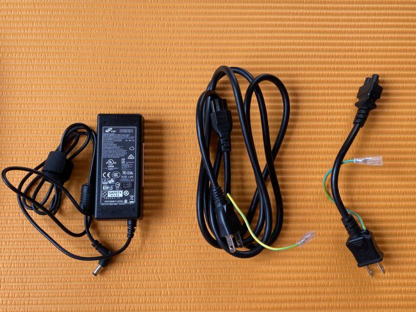 短い電源コード,ノートパソコン,リモートワーク