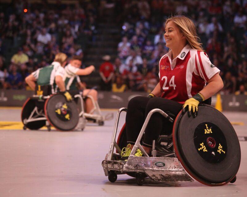 車椅子 スポーツ 女性 楽しい